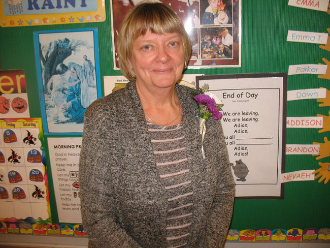 Teacher says goodbye after 38-year...